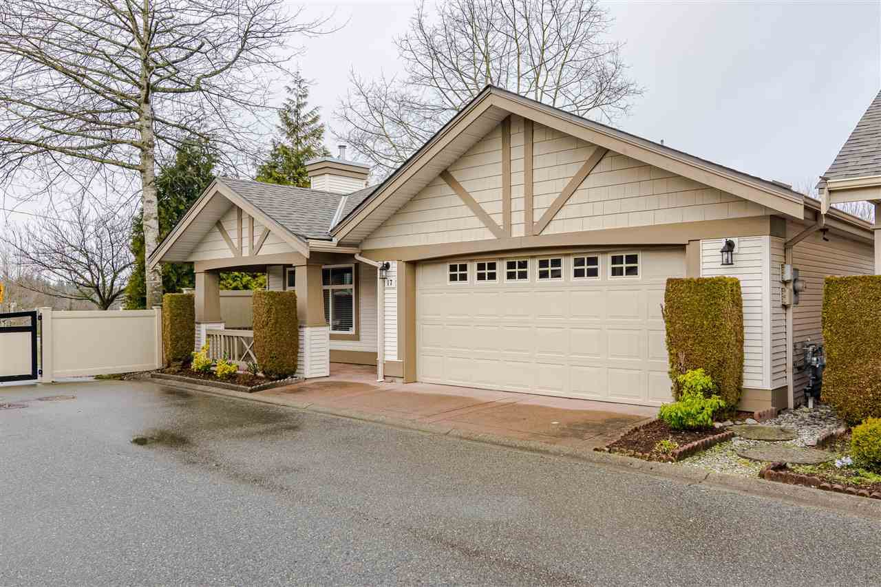 "Main Photo: 17 8555 209 Street in Langley: Walnut Grove Townhouse for sale in ""Autumnwood"" : MLS®# R2483569"