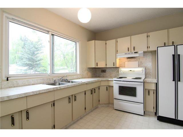 Photo 2: Photos: 5327 LAKEVIEW Drive SW in CALGARY: Lakeview Residential Detached Single Family for sale (Calgary)  : MLS®# C3571969