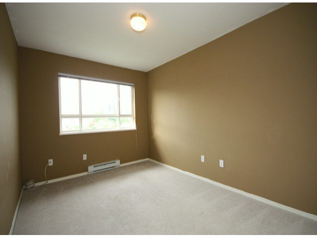 "Photo 12: Photos: 310 15885 84TH Avenue in Surrey: Fleetwood Tynehead Condo for sale in ""Abbey Road"" : MLS®# F1320376"
