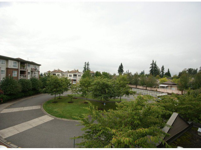 "Photo 17: Photos: 310 15885 84TH Avenue in Surrey: Fleetwood Tynehead Condo for sale in ""Abbey Road"" : MLS®# F1320376"