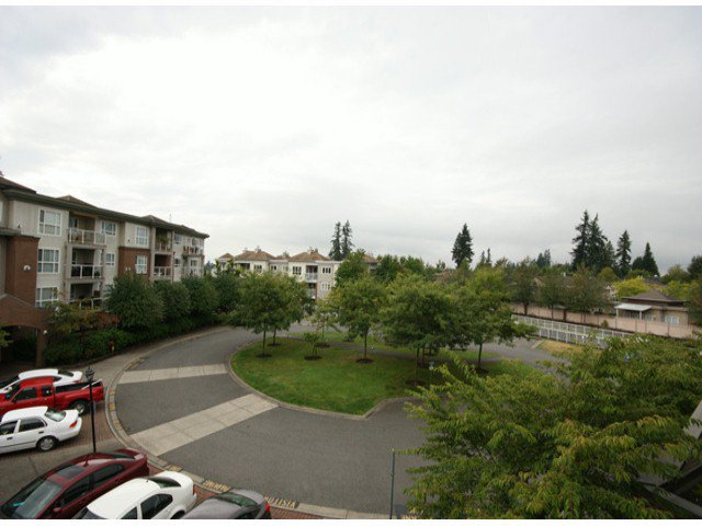 "Photo 16: Photos: 310 15885 84TH Avenue in Surrey: Fleetwood Tynehead Condo for sale in ""Abbey Road"" : MLS®# F1320376"