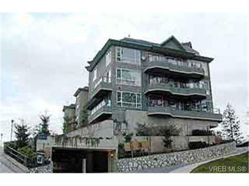 Main Photo: 405 940 Boulderwood Rise in VICTORIA: SE Broadmead Condo for sale (Saanich East)  : MLS®# 230017