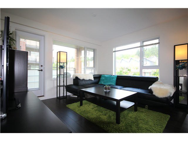 Photo 2: Photos: 217 3163 RIVERWALK AVENUE in Vancouver: Champlain Heights Condo for sale (Vancouver East)  : MLS®# R2062360