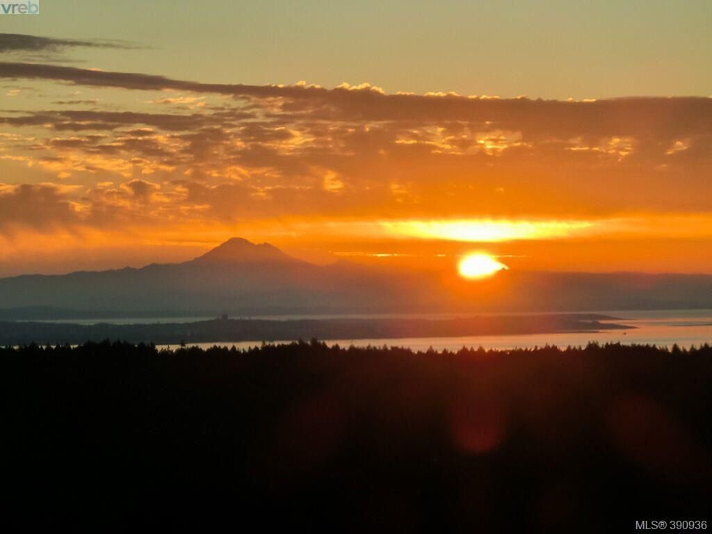 Another beautiful sunrise looking towards Mt Baker