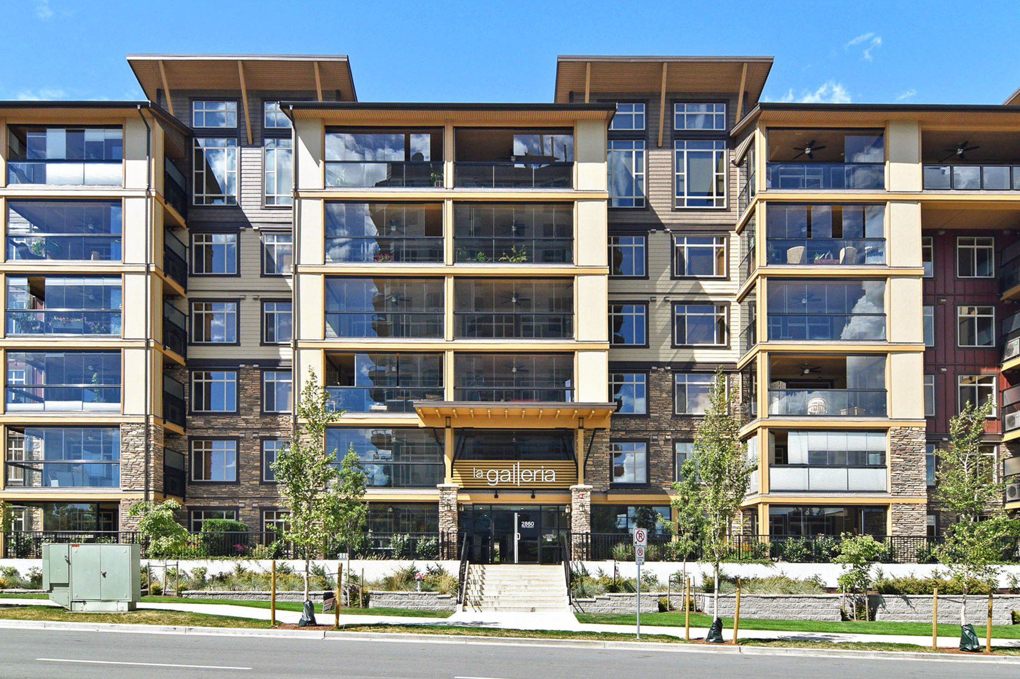 "Main Photo: 412 2860 TRETHEWEY Street in Abbotsford: Central Abbotsford Condo for sale in ""La Galleria"" : MLS®# R2442032"