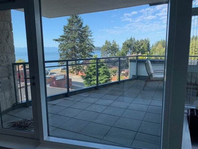 Main Photo: 504 5725 TEREDO Street in Sechelt: Sechelt District Condo for sale (Sunshine Coast)  : MLS®# R2487730