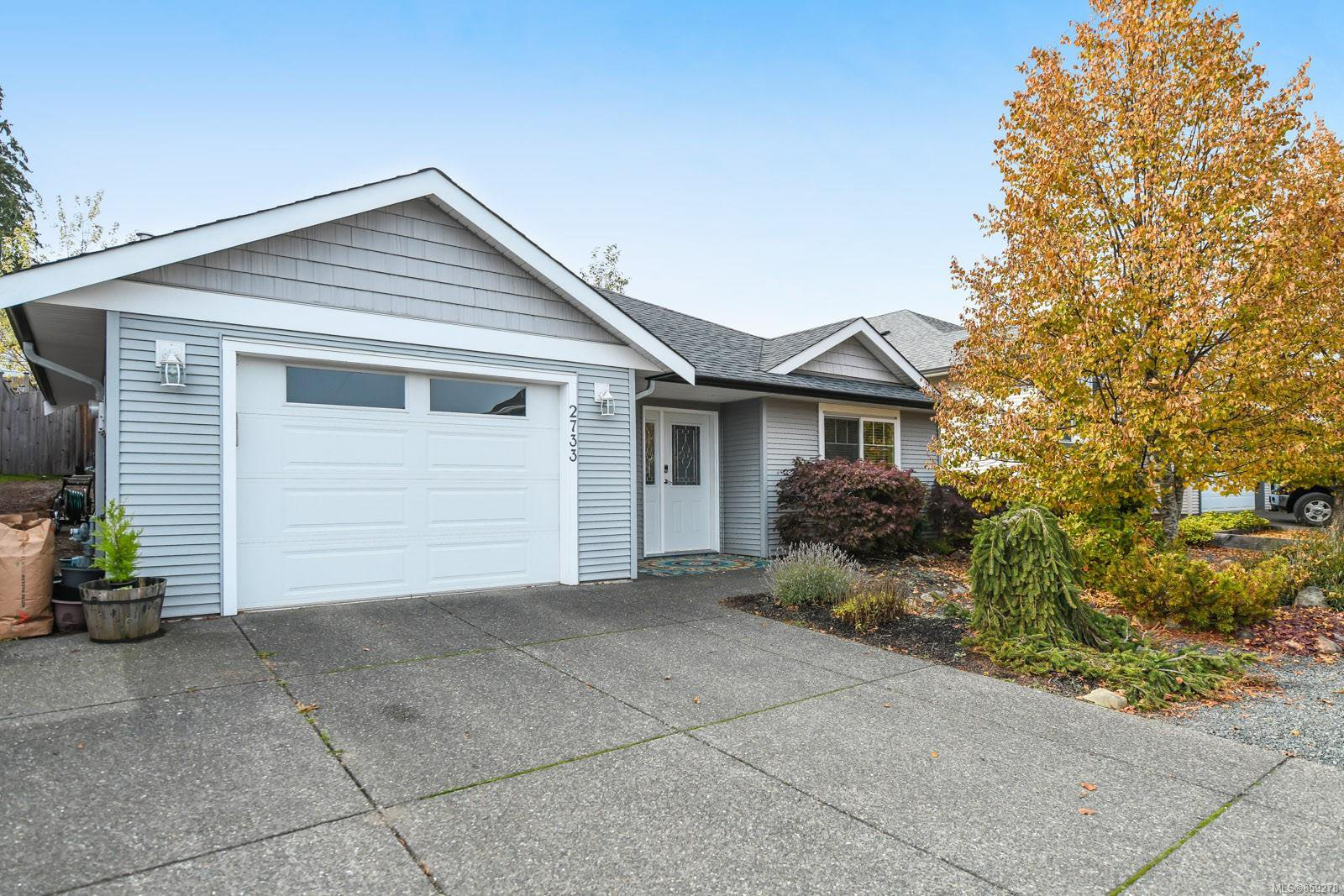 Main Photo: 2733 Kendal Ave in : CV Cumberland House for sale (Comox Valley)  : MLS®# 859278