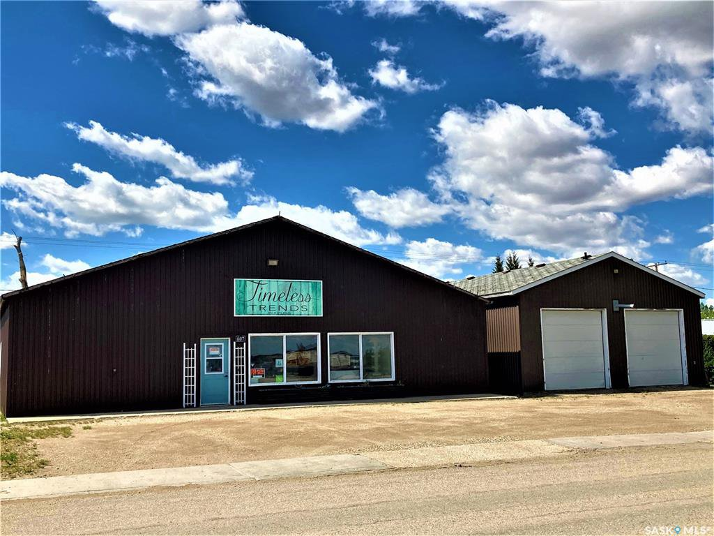 Main Photo: 607 Railway Street in Kipling: Commercial for sale : MLS®# SK833601