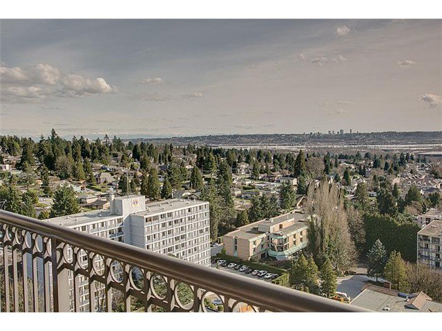 "Photo 11: Photos: 1901 551 AUSTIN Avenue in Coquitlam: Coquitlam West Condo for sale in ""BROOKMERE GARDENS & TOWERS"" : MLS®# V994596"