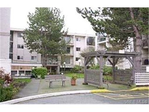 Main Photo: 222 3225 Eldon Place in VICTORIA: SW Rudd Park Condo Apartment for sale (Saanich West)  : MLS®# 195048