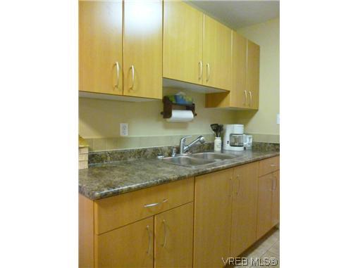 Photo 3: Photos: 12 848 Esquimalt Road in VICTORIA: Es Old Esquimalt Residential for sale (Esquimalt)  : MLS®# 319030
