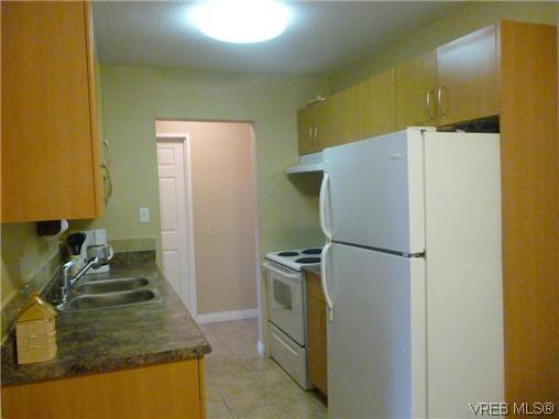 Photo 2: Photos: 12 848 Esquimalt Road in VICTORIA: Es Old Esquimalt Residential for sale (Esquimalt)  : MLS®# 319030