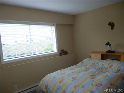 Photo 6: Photos: 12 848 Esquimalt Road in VICTORIA: Es Old Esquimalt Residential for sale (Esquimalt)  : MLS®# 319030
