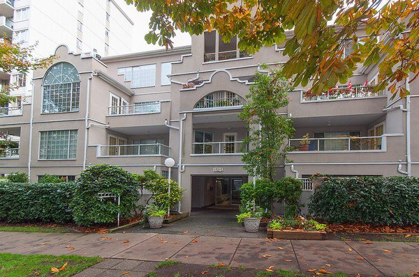 Main Photo: 202 1525 PENDRELL STREET in Vancouver: West End VW Condo for sale (Vancouver West)  : MLS®# R2010212
