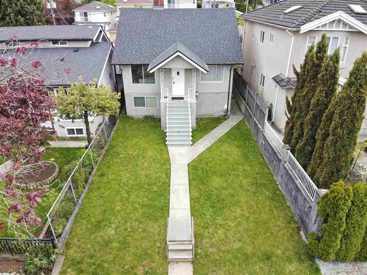 Main Photo: 2858 E 4TH Avenue in Vancouver: Renfrew VE House for sale (Vancouver East)  : MLS®# R2454595