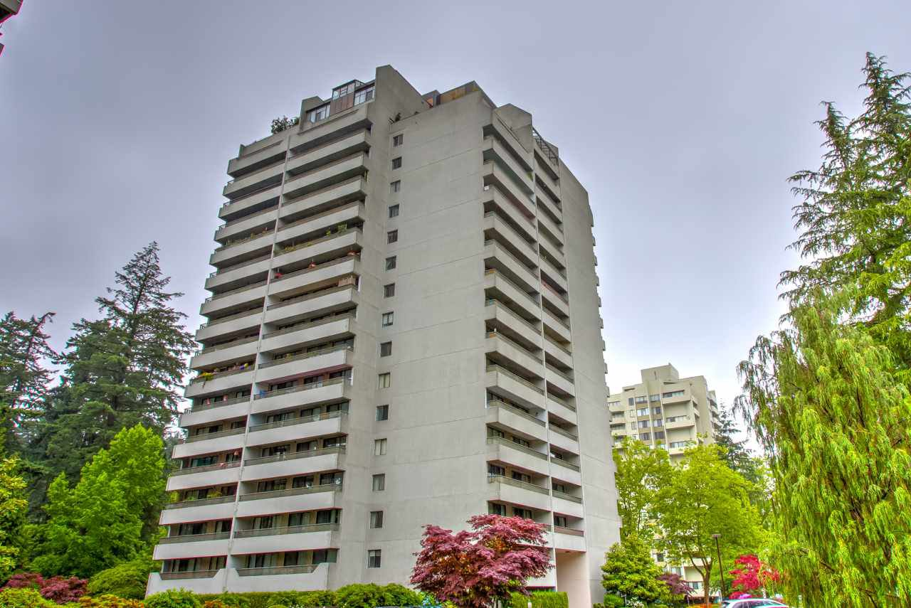 """Main Photo: 1006 4134 MAYWOOD Street in Burnaby: Metrotown Condo for sale in """"Park Avenue Towers"""" (Burnaby South)  : MLS®# R2471495"""
