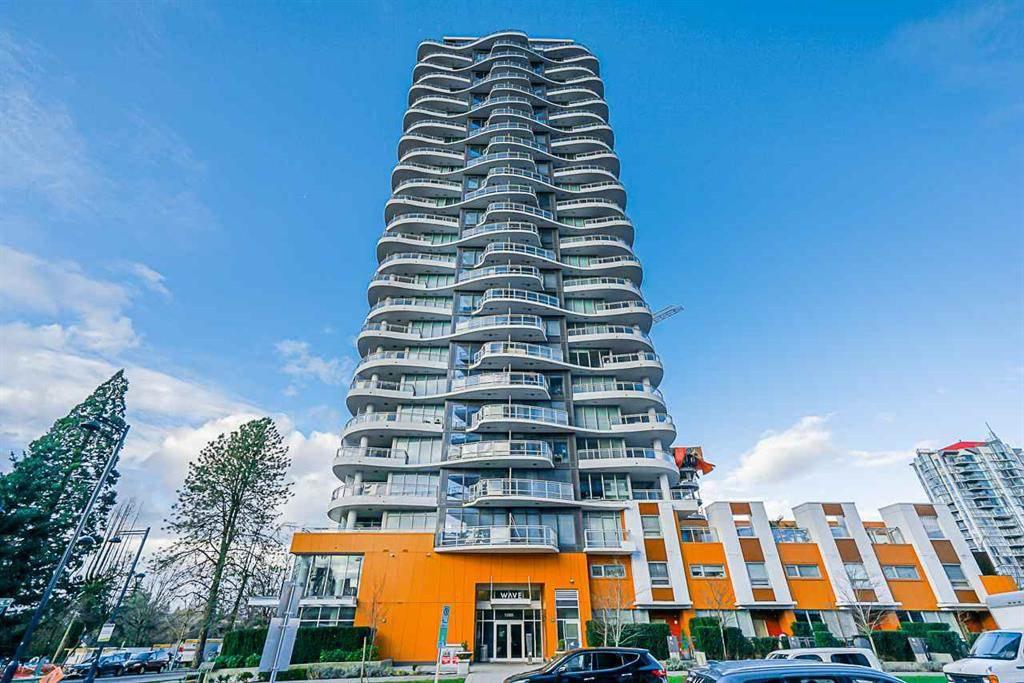 Main Photo: 803 13303 CENTRAL Avenue in Surrey: Whalley Condo for sale (North Surrey)  : MLS®# R2476317