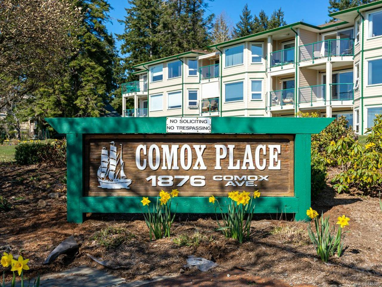 Main Photo: 14 1876 Comox Ave in COMOX: CV Comox (Town of) Condo for sale (Comox Valley)  : MLS®# 845695