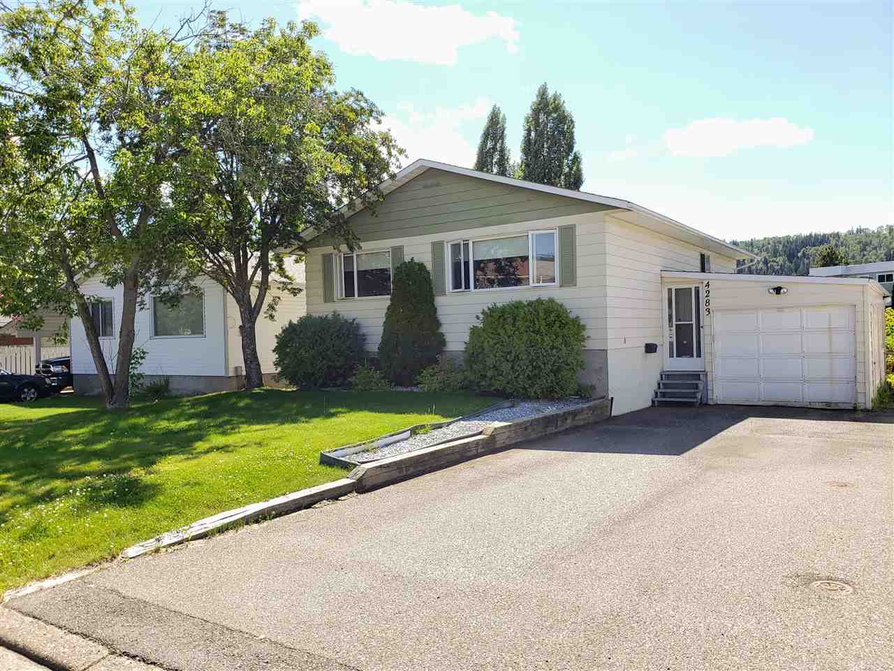 Main Photo: 4283 MERTON Crescent in Prince George: Lakewood House for sale (PG City West (Zone 71))  : MLS®# R2483920