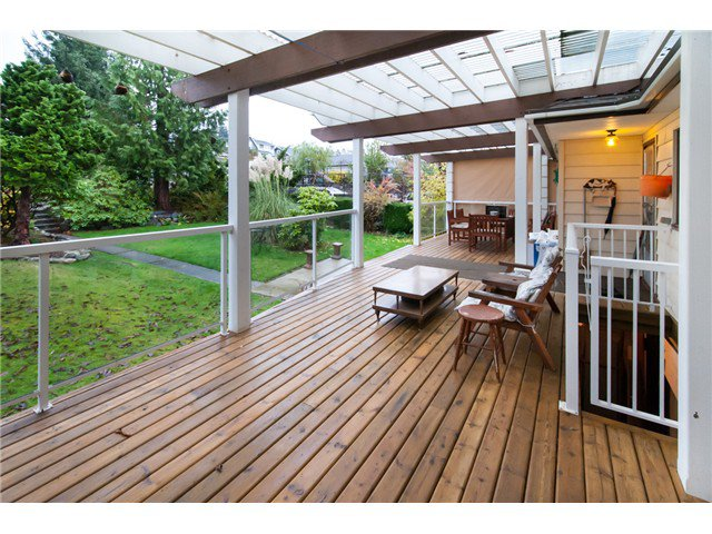 Photo 8: Photos: 1827 HAMILTON ST in New Westminster: West End NW House for sale : MLS®# V981153