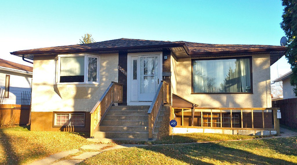 Main Photo: 2 bedroom suite & HUGE Garage: Edmonton House for sale : MLS®# E3394647