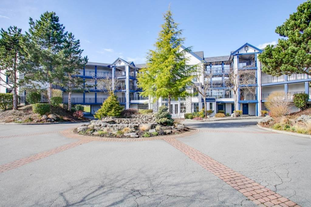 Main Photo: 305 4955 RIVER ROAD in Delta: Neilsen Grove Condo for sale (Ladner)  : MLS®# R2146794