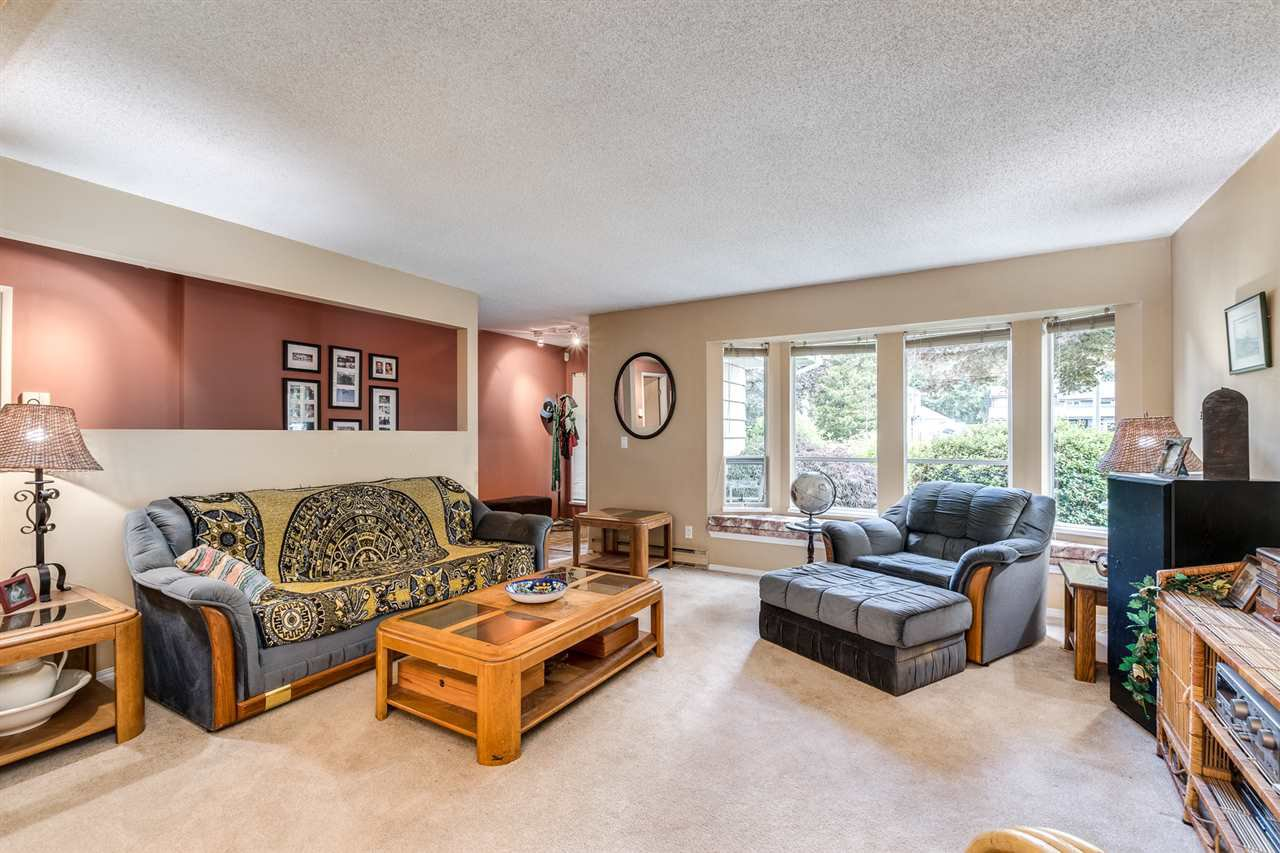 Photo 7: Photos: 1060 LOMBARDY Drive in Port Coquitlam: Lincoln Park PQ House for sale : MLS®# R2462097