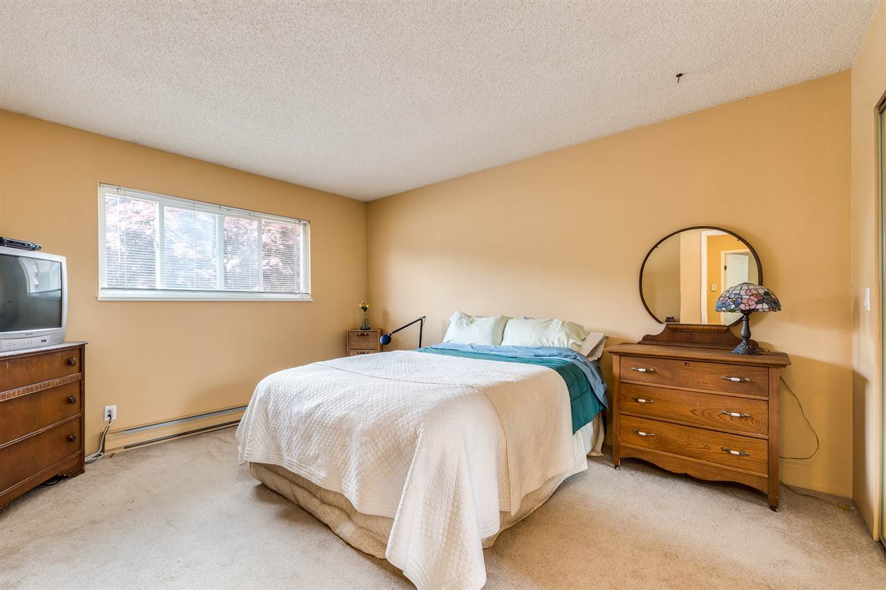 Photo 19: Photos: 1060 LOMBARDY Drive in Port Coquitlam: Lincoln Park PQ House for sale : MLS®# R2462097