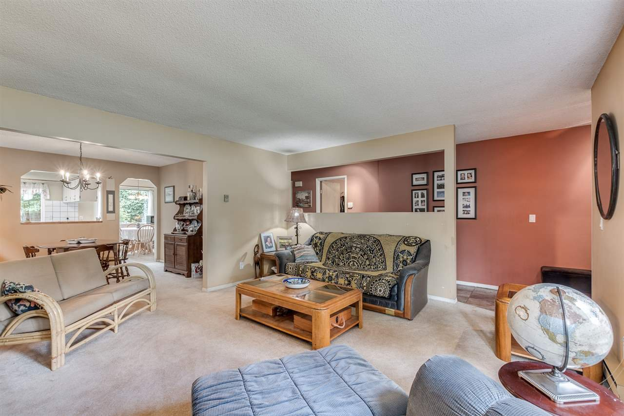 Photo 6: Photos: 1060 LOMBARDY Drive in Port Coquitlam: Lincoln Park PQ House for sale : MLS®# R2462097