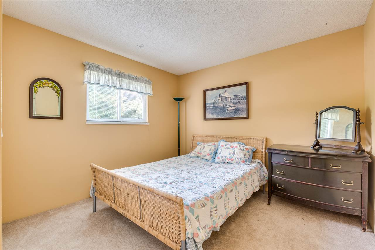 Photo 25: Photos: 1060 LOMBARDY Drive in Port Coquitlam: Lincoln Park PQ House for sale : MLS®# R2462097