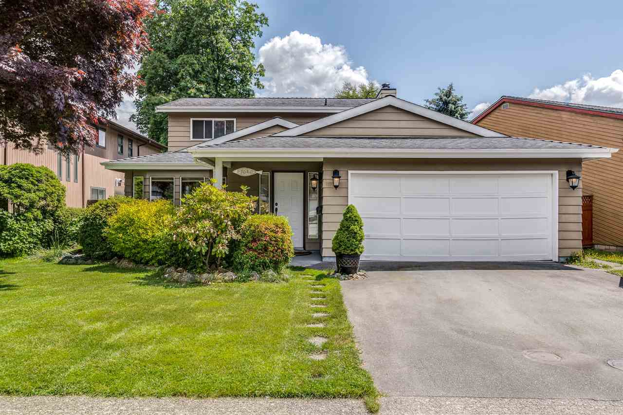 Photo 3: Photos: 1060 LOMBARDY Drive in Port Coquitlam: Lincoln Park PQ House for sale : MLS®# R2462097