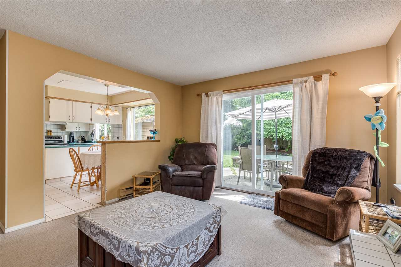 Photo 11: Photos: 1060 LOMBARDY Drive in Port Coquitlam: Lincoln Park PQ House for sale : MLS®# R2462097