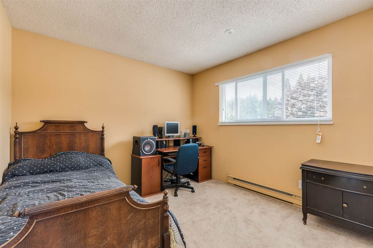 Photo 23: Photos: 1060 LOMBARDY Drive in Port Coquitlam: Lincoln Park PQ House for sale : MLS®# R2462097
