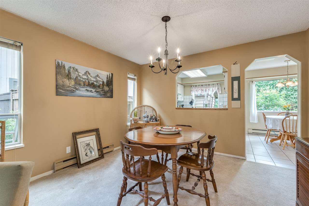 Photo 8: Photos: 1060 LOMBARDY Drive in Port Coquitlam: Lincoln Park PQ House for sale : MLS®# R2462097
