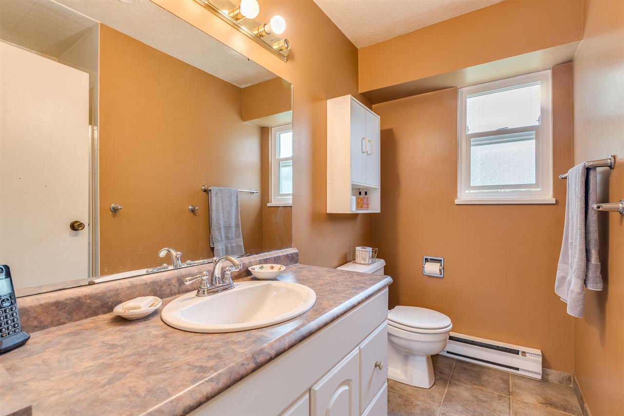 Photo 21: Photos: 1060 LOMBARDY Drive in Port Coquitlam: Lincoln Park PQ House for sale : MLS®# R2462097