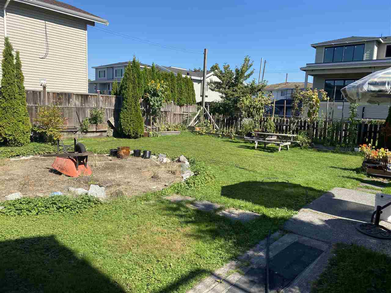 Main Photo: 317 WOOD Street in New Westminster: Queensborough House for sale : MLS®# R2496910