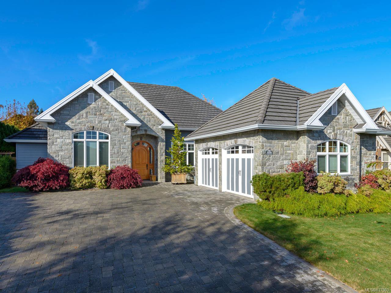 Main Photo: 3335 Majestic Dr in COURTENAY: CV Crown Isle House for sale (Comox Valley)  : MLS®# 837503