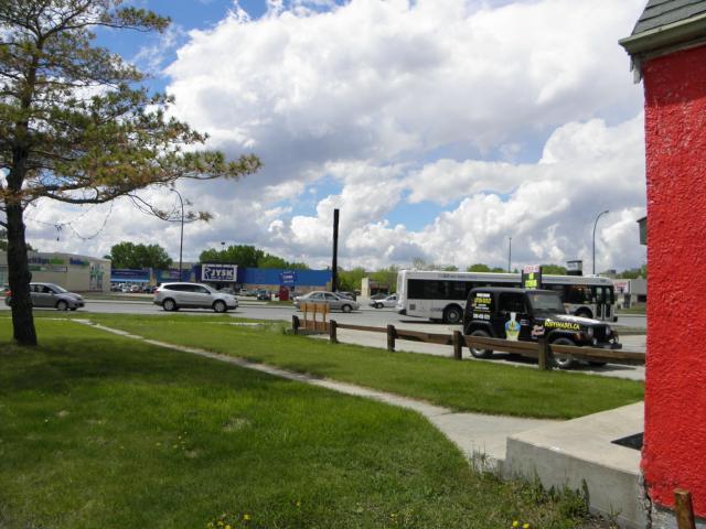 Main Photo: 2124 Pembina Highway in WINNIPEG: Fort Garry / Whyte Ridge / St Norbert Residential for sale (South Winnipeg)  : MLS®# 1214535