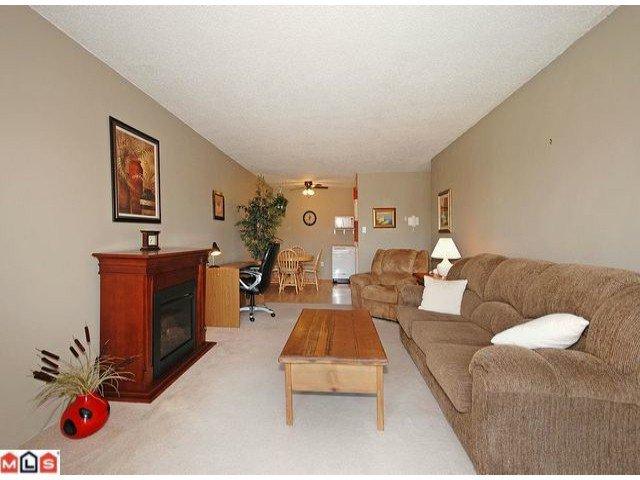 """Main Photo: 306 11816 88TH Avenue in Delta: Annieville Condo for sale in """"SUNGOD VILLA"""" (N. Delta)  : MLS®# F1222744"""