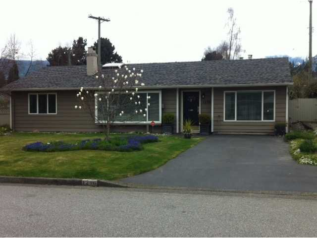 "Main Photo: 1296 PINEWOOD CR in North Vancouver: Norgate House for sale in ""NORGATE"" : MLS®# V987658"