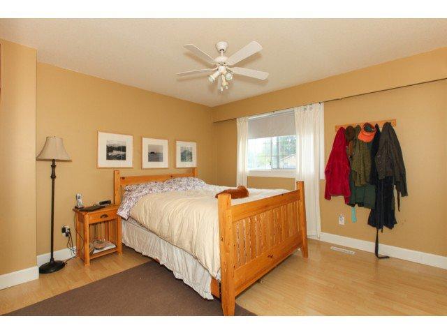 Photo 8: Photos: 12174 GLENHURST Street in Maple Ridge: East Central House for sale : MLS®# V1009036