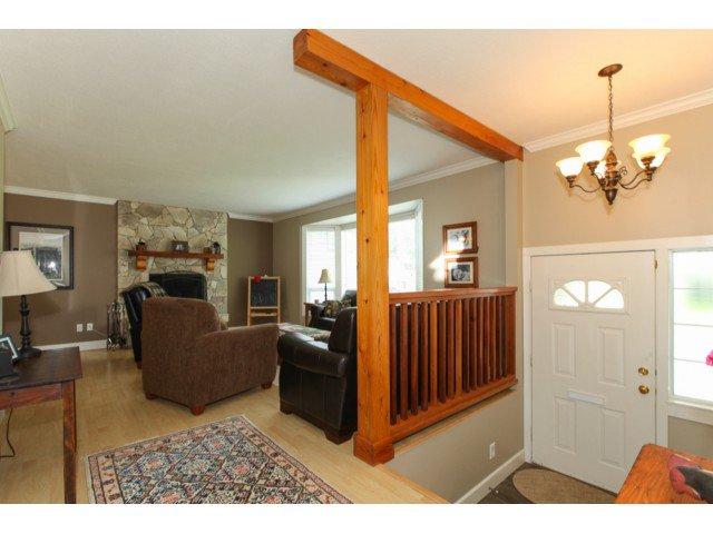 Photo 3: Photos: 12174 GLENHURST Street in Maple Ridge: East Central House for sale : MLS®# V1009036