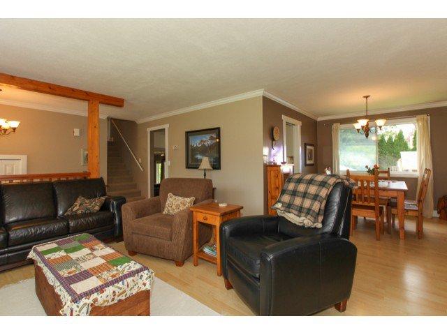 Photo 2: Photos: 12174 GLENHURST Street in Maple Ridge: East Central House for sale : MLS®# V1009036