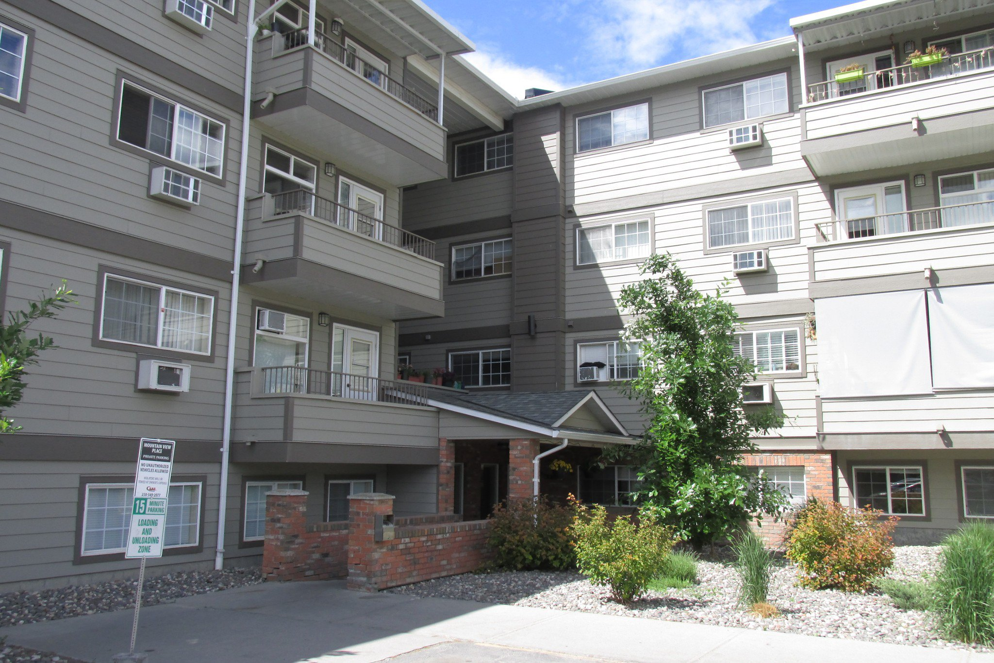 Main Photo: #406 3700 28A St in Vernon: City of Vernon Condo for sale : MLS®# 10184299