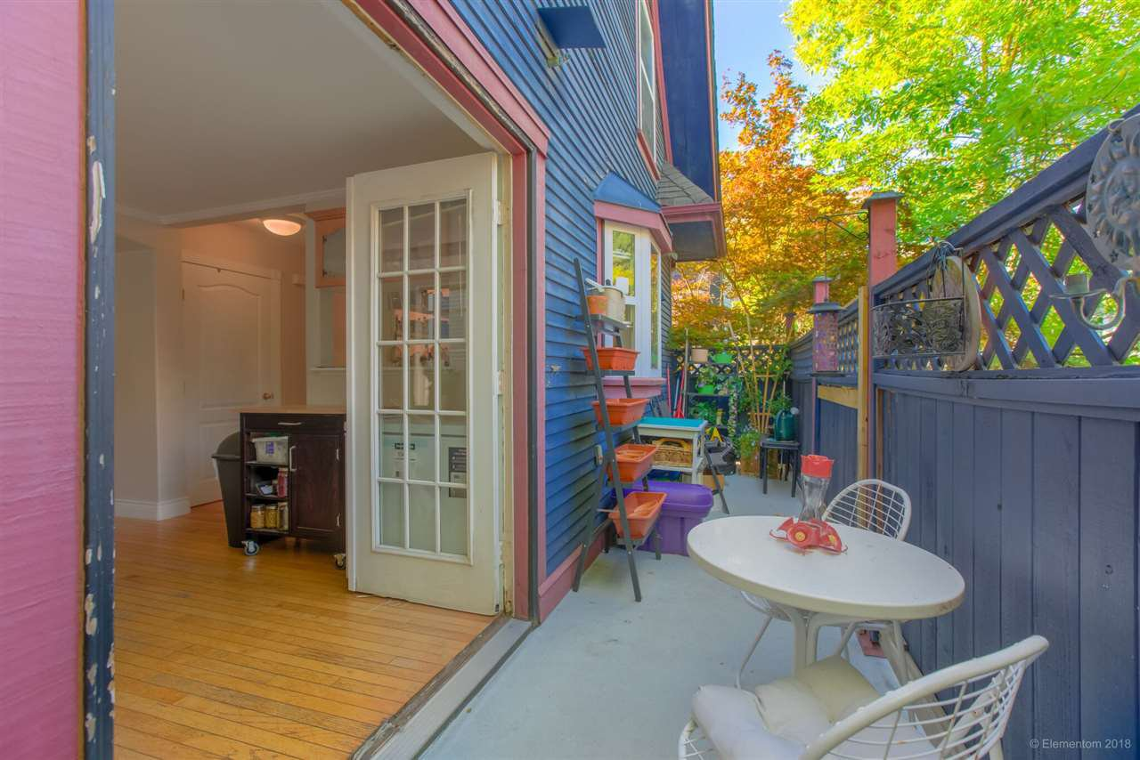 Photo 16: Photos: 1 2540 MANITOBA Street in Vancouver: Mount Pleasant VW House 1/2 Duplex for sale (Vancouver West)  : MLS®# R2397252