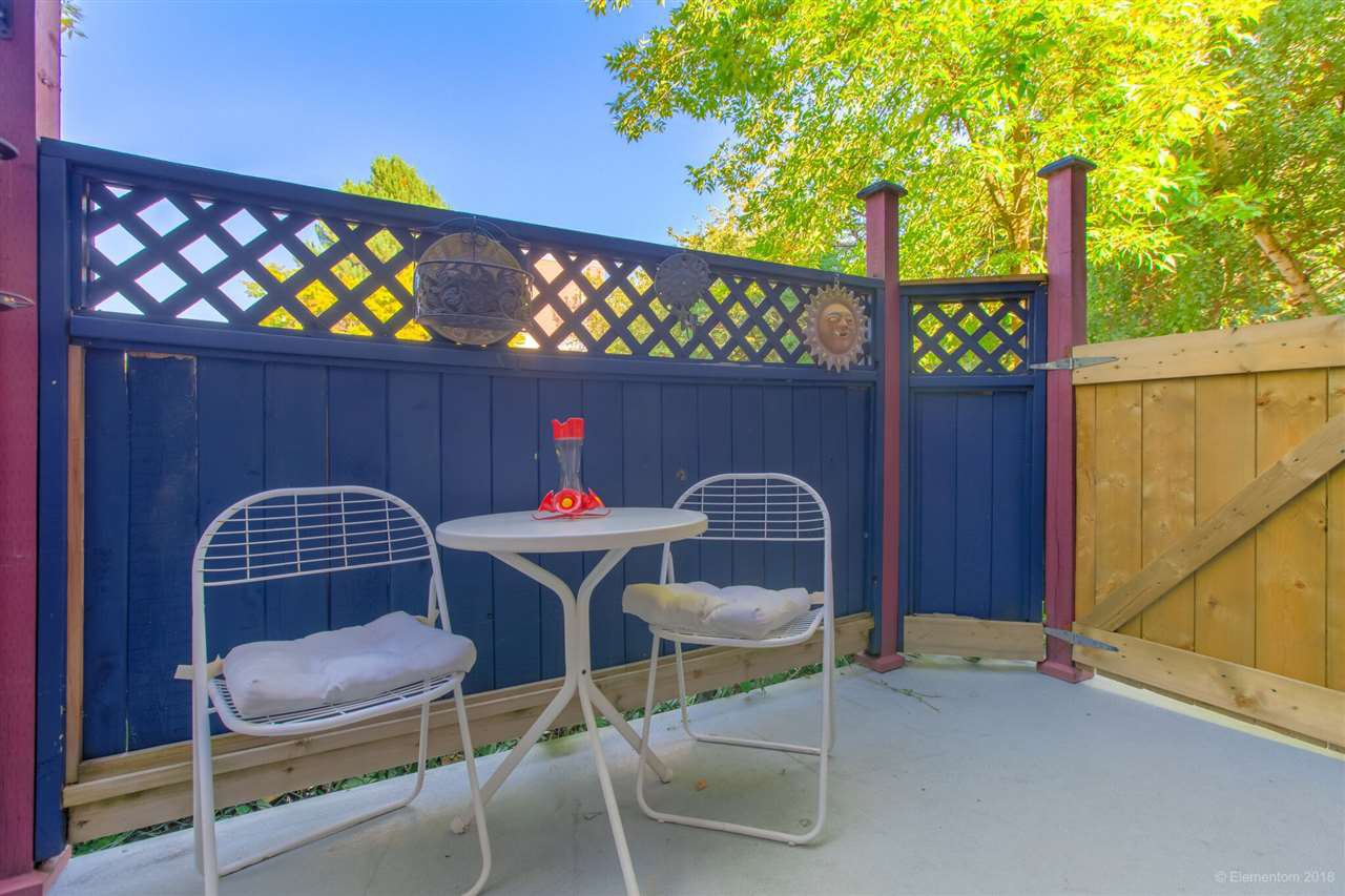 Photo 17: Photos: 1 2540 MANITOBA Street in Vancouver: Mount Pleasant VW House 1/2 Duplex for sale (Vancouver West)  : MLS®# R2397252