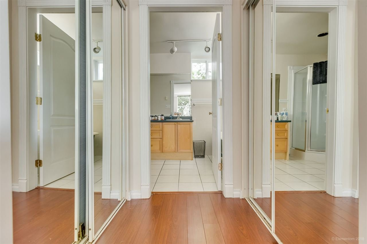 Photo 13: Photos: 1 2540 MANITOBA Street in Vancouver: Mount Pleasant VW House 1/2 Duplex for sale (Vancouver West)  : MLS®# R2397252