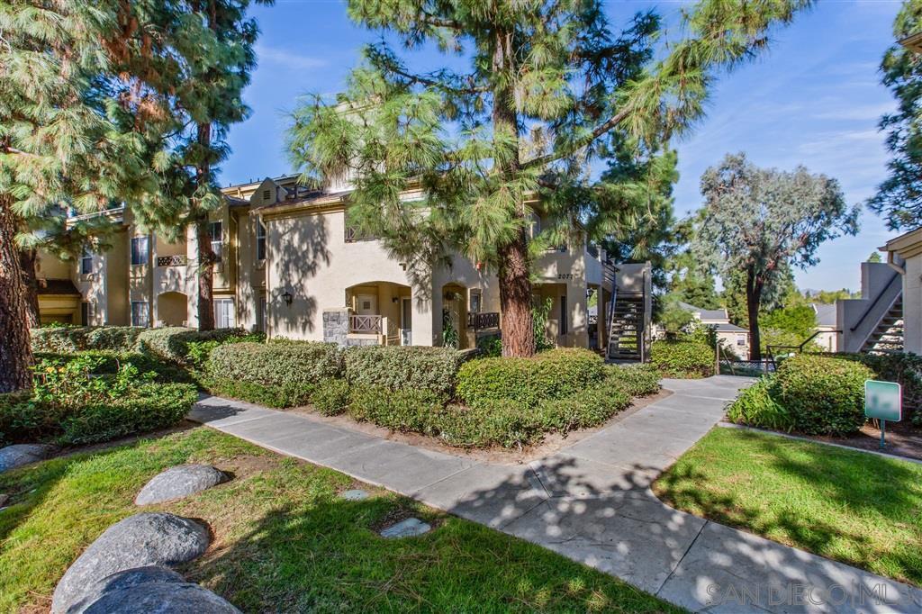 Main Photo: CHULA VISTA Condo for sale : 3 bedrooms : 2077 Lakeridge circle #304