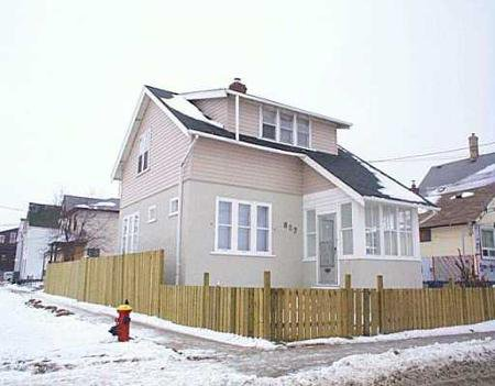 Main Photo: 887 ALEXANDER: Residential for sale (Canada)  : MLS®# 2620346