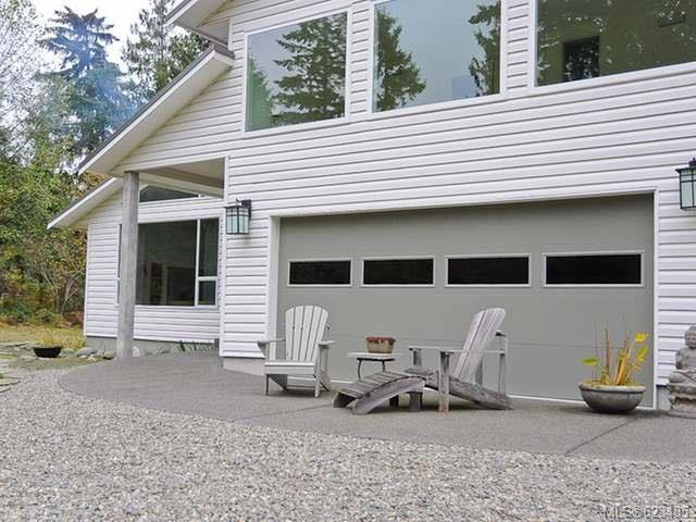Main Photo: 6633 RENNIE ROAD in COURTENAY: Z2 Courtenay North House for sale (Zone 2 - Comox Valley)  : MLS®# 623485